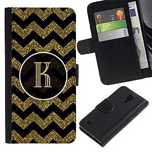 KingStore / Leather Etui en cuir / Samsung Galaxy S4 IV I9500 / Iniciales patrón de la letra del oro Chevron Rey;
