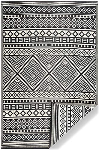 Garden and Outdoor Lightweight Indoor Outdoor Reversible Plastic Area Rug – 5'9″ x 8'9″ Texas – Black/White outdoor rugs