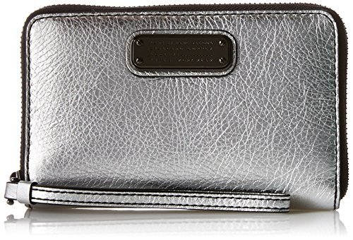 Marc by Marc Jacobs New Q Shine Wingman Wristlet, Silver, One Size by Marc by Marc Jacobs