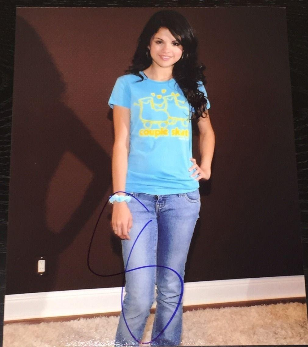 SELENA GOMEZ SIGNED AUTOGRAPH SEXY HOT CUTE CANDID TIGHT JEANS 8x10 PHOTO  COA at Amazon's Entertainment Collectibles Store