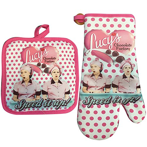 I Love Lucy Oven Mitt   Pot Holder Set