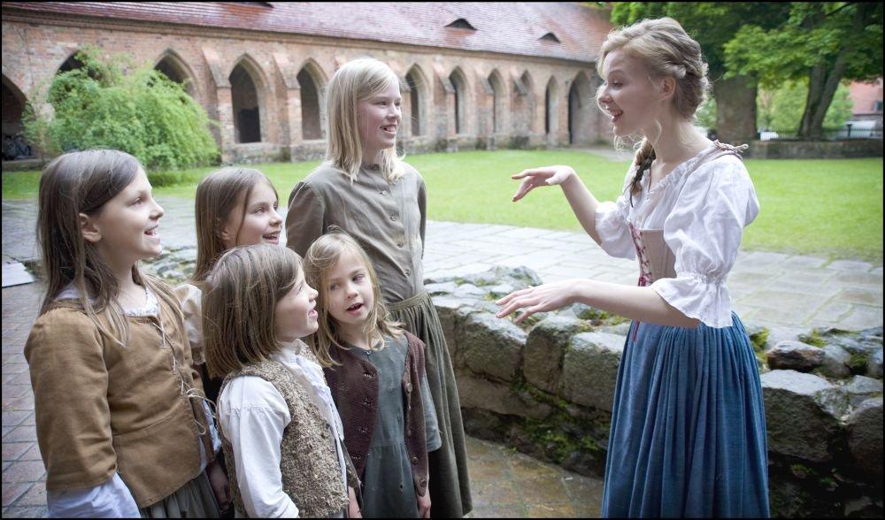 Prinzessin auf der erbse film  Die Prinzessin auf der Erbse: Amazon.de: Rike Kloster, Robert ...
