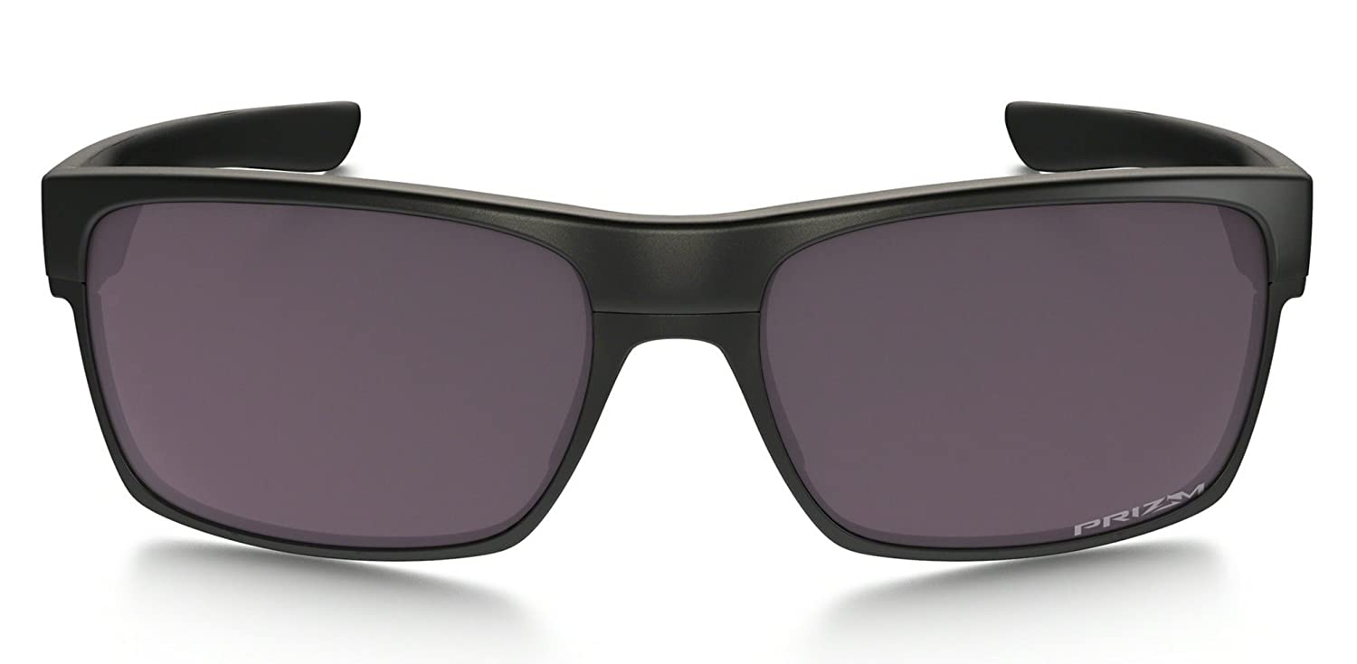 87dd9ccabe1 Amazon.com  Oakley Two Face Sunglasses Machinist Matte Black  Oakley   Clothing