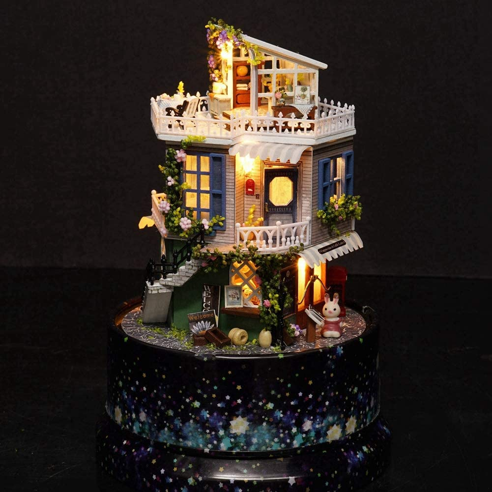 als Geschenke rotierende DIY Miniatur Dollhouse Kit Miniatur DIY Dollhouse Dream House Spieluhr mit Staubschutz f/ür M/ädchen Liukouu Kreative DIY Dollhouse
