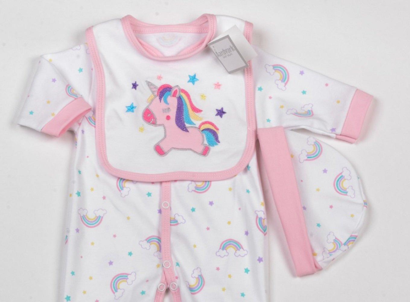1519107a5fdb8 Bébé Fille Rainbows et licorne layette - Vêtements Ensemble cadeau (6-9 mois)   Amazon.fr  Bébés   Puériculture
