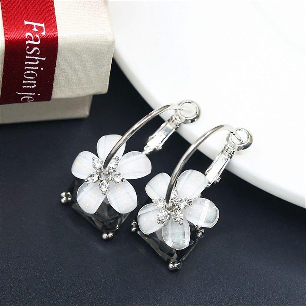 Ling Studs Earrings Hypoallergenic Cartilage Ear Piercing Simple Fashion Earrings Ear Jewelry 925 Sterling Silver Crystal Stud Earrings
