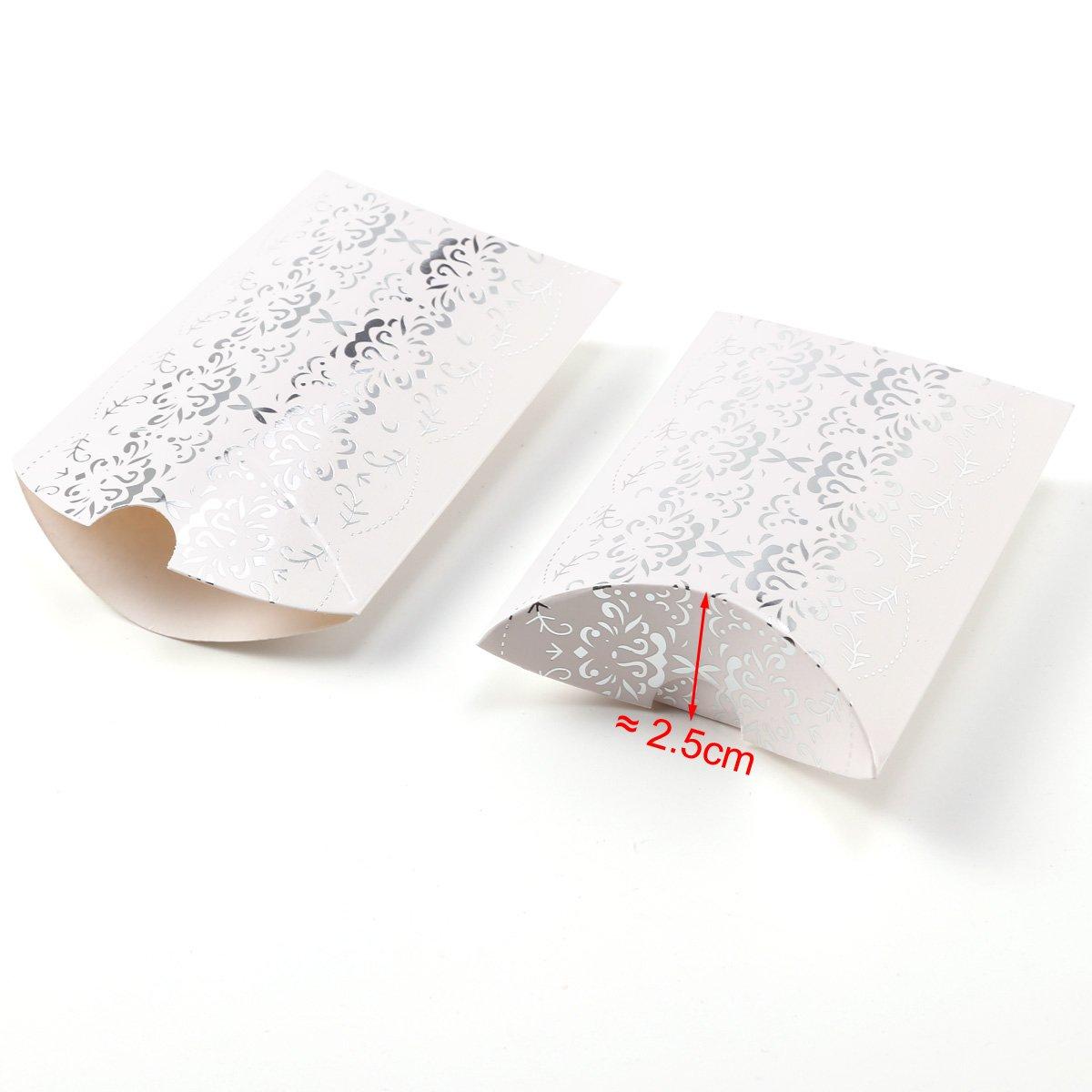 1f15eae99 CLE DE TOUS - 50pcs Cajitas de boda dulces Pequeños regalos Detalles para  bodas Cajas petaca Blanca con plateado: Amazon.es: Hogar
