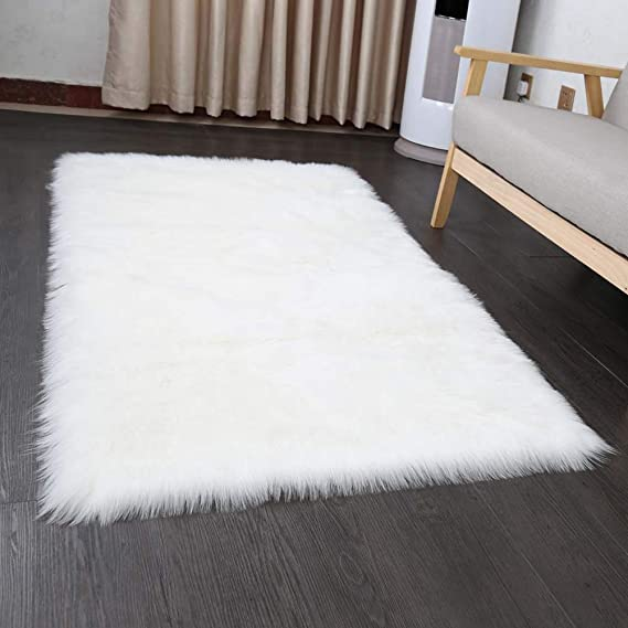Softlife Faux Fur Sheepskin Area Rug Shaggy Wool Carpet For Bedroom Living Room Home Decor (3ft X 5ft,White) by Softlife