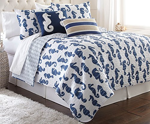 Elise & James Home Seymour Seahorse Quilt Set Bedding Full/Queen Blue