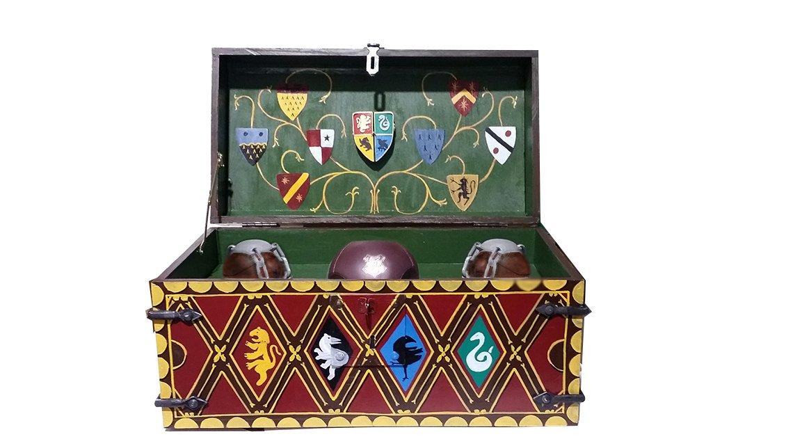 Quidditch Trunk - Full Size