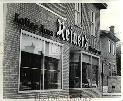 1968 Press Photo A German Village Coffee Shop, The Reiner's - cvb01344-8 x 10 in. - Historic Images ()