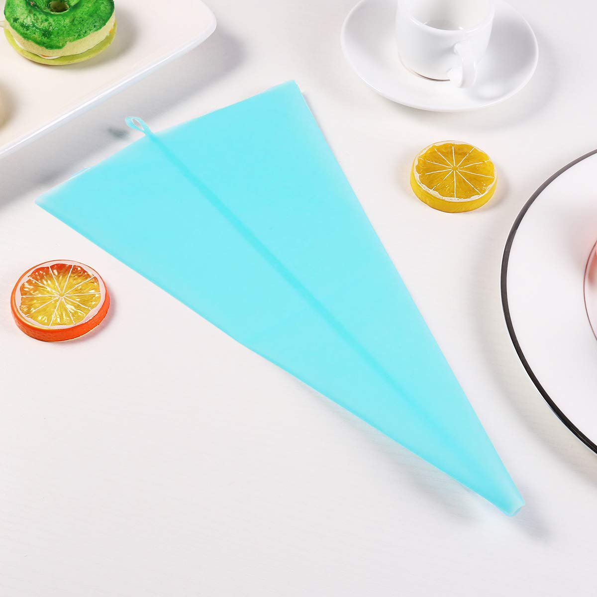 Silicone Pastry Bags, Weetiee 3 Sizes Reusable Icing Piping Bags Baking Cookie Cake Decorating Bags (12''+14''+16'')- 6 Pack - Bonus 6 Icing Couplers Fit Wilton Standard Size Tips Supplies by Weyey (Image #5)