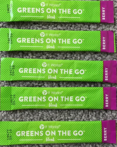 It Works! Greens on the Go Blend 5 Berry flavor packets