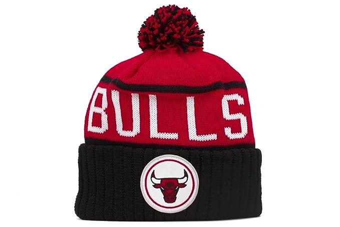 ec956d0d311 Amazon.com   Chicago Bulls Mitchell   Ness NBA High 5 Current Cuffed ...