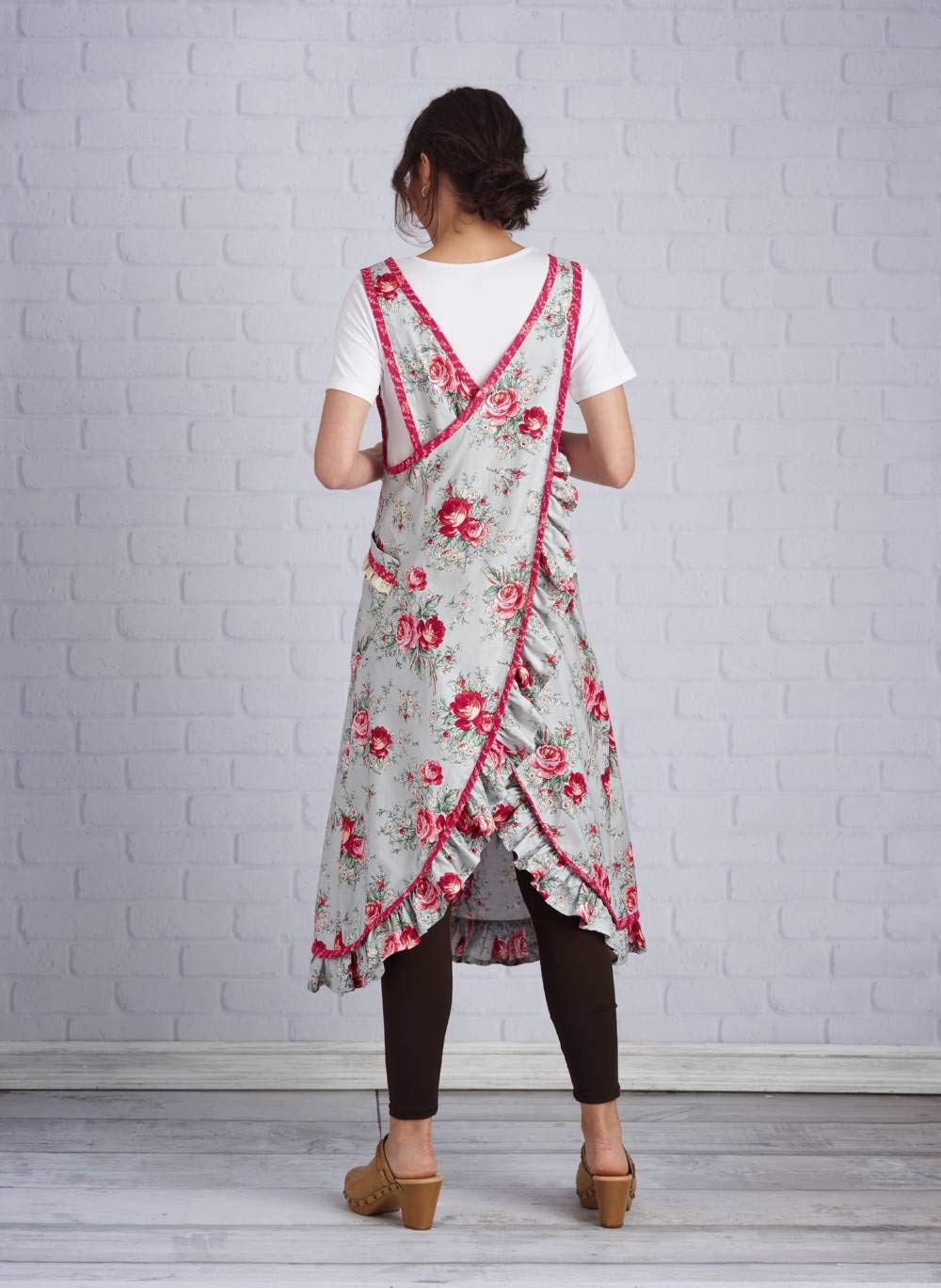 Simplicity Sewing Pattern S8904 Misses' Wraparound Apron, Size A (XS-XL) by Simplicity