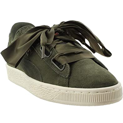 a9aa6eebc30ad Amazon.com | PUMA Womens Suede Heart Velvet Rope Athletic & Sneakers ...