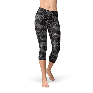 3b25c13f1c7c7 Satori_Stylez Black Camo Capri Leggings for Women Printed Workout ...