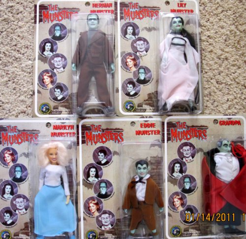[Classic TV The MUNSTERS Complete Set 5 Dolls 8