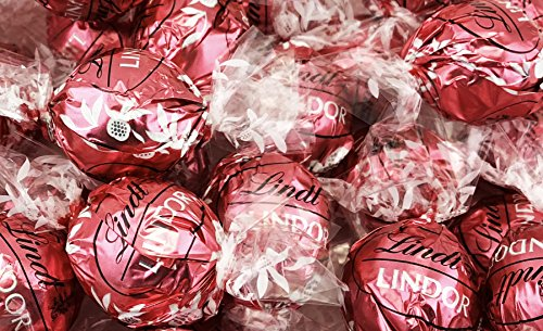 Lindt LINDOR Strawberries and Cream Truffles Irresistibly Smooth, Pink Wrapping (Pack of 2 Pounds) ()