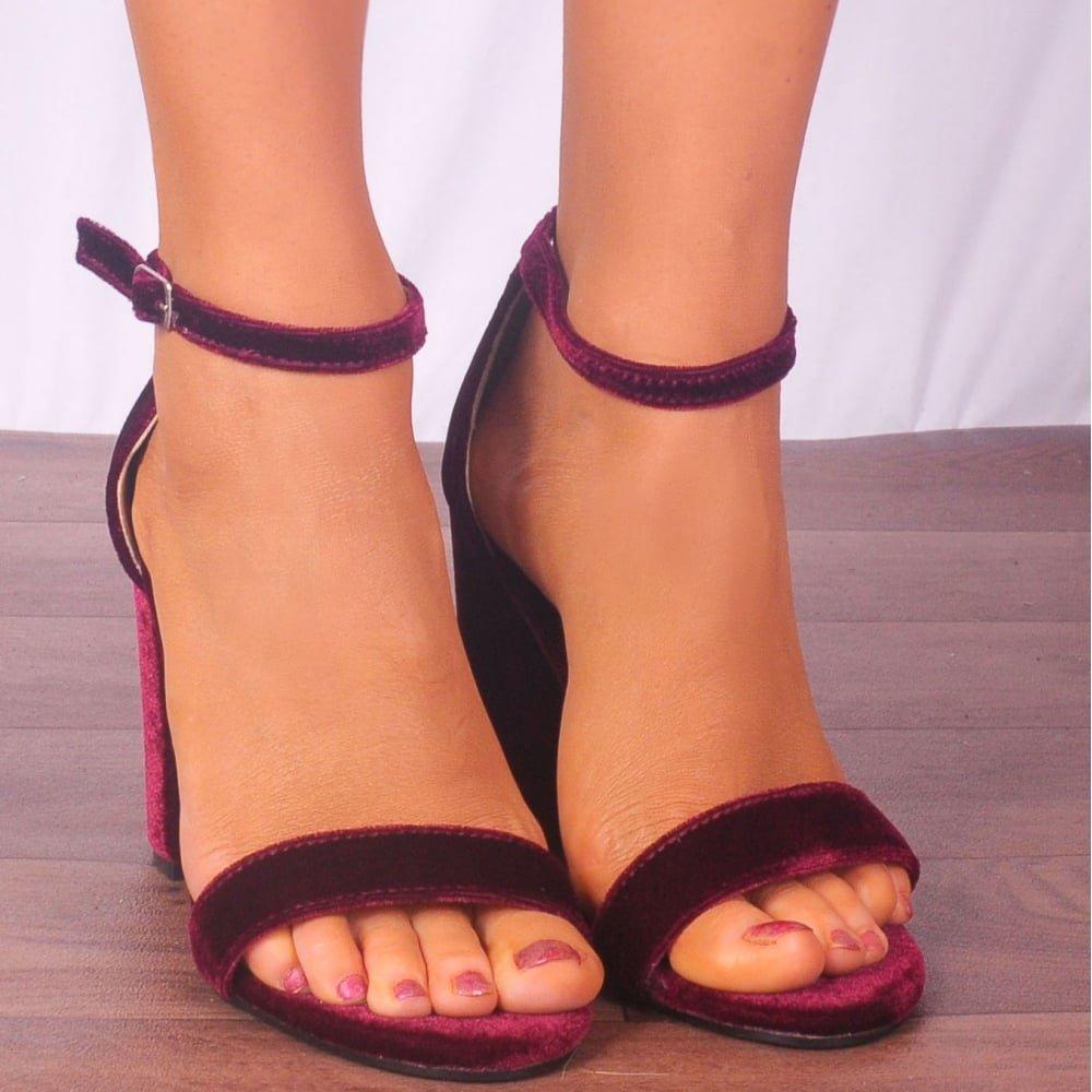 cf03dfd630 Shoe Closet Ladies Burgundy RED Velvet Ankle Strap Open Toe Block HIGH Heel  Sandals UK8/EURO41/AUS9/USA10: Amazon.co.uk: Shoes & Bags