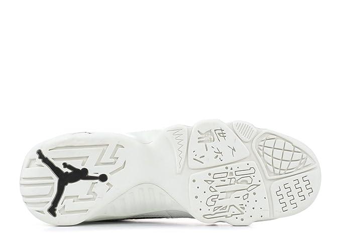 online retailer 3f433 2f5ac Amazon.com   Nike Jordan Kids  Grade School Air Jordan 9 Retro Basketball  Shoes (3.5, Black White Gold)   Running