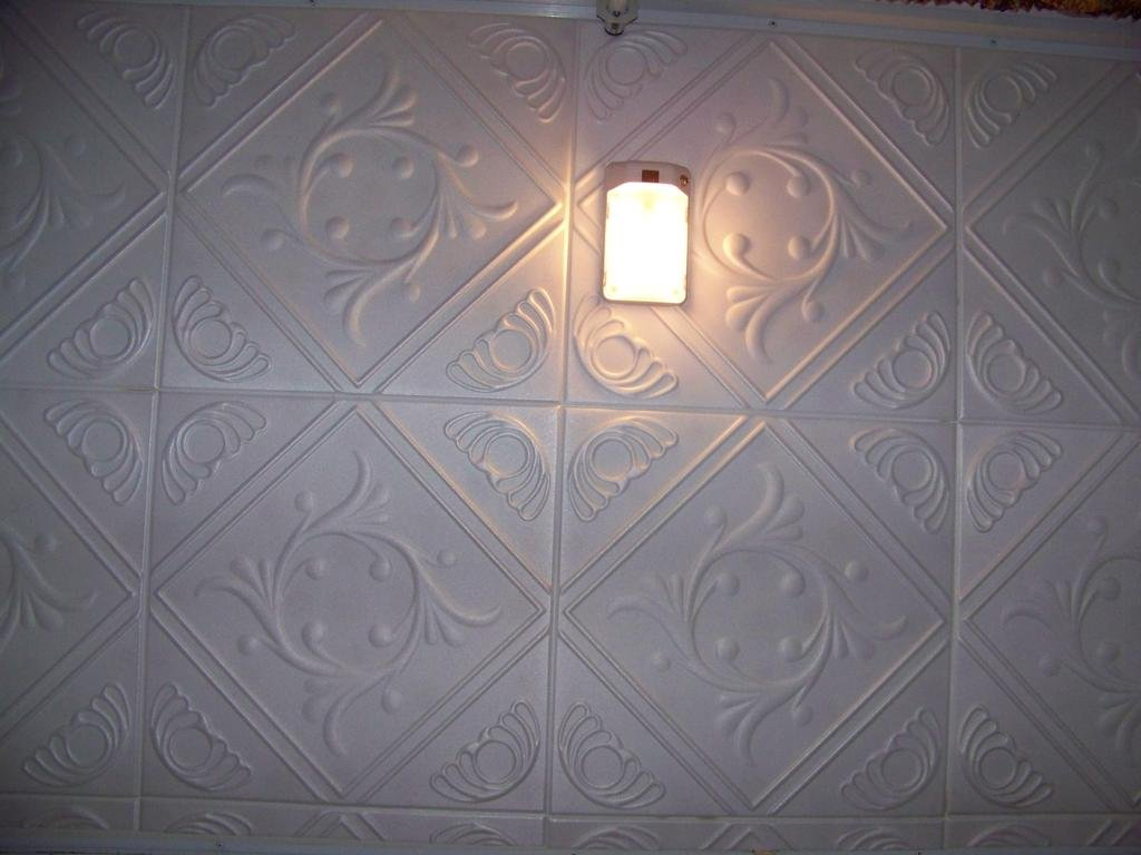 White Styrofoam Ceiling Tile Anet (Package of 8 Tiles each of ~20''x20'') - Other Sellers call this Diamond Wreath and R02