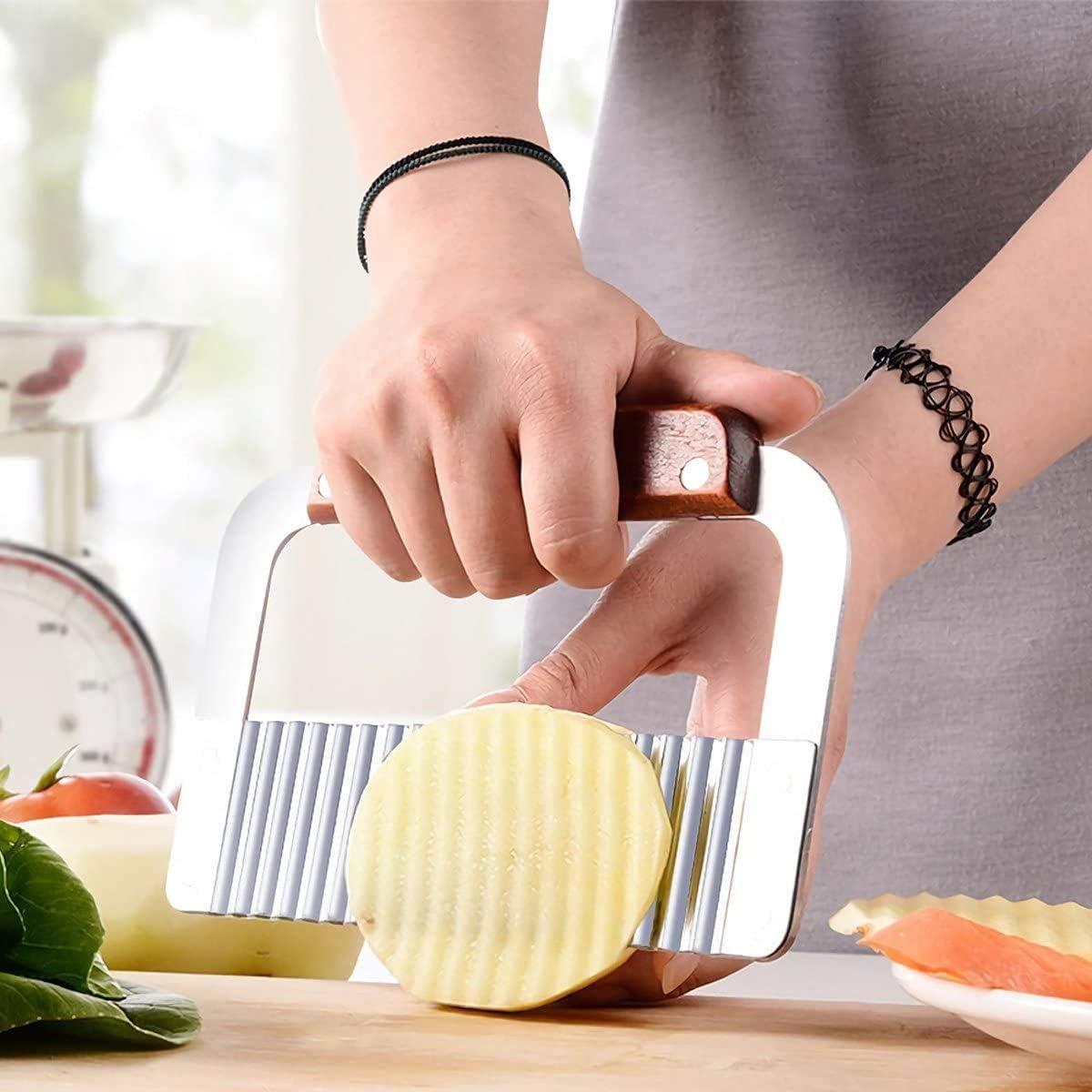 Xstar Kartoffel-Crinkle-Cutter 2er-Pack Crinkle-Schneidwerkzeug Pommes Frites Chips Slicer Edelstahlklinge Holzgriff Gem/üsesalat-Schneidemesser