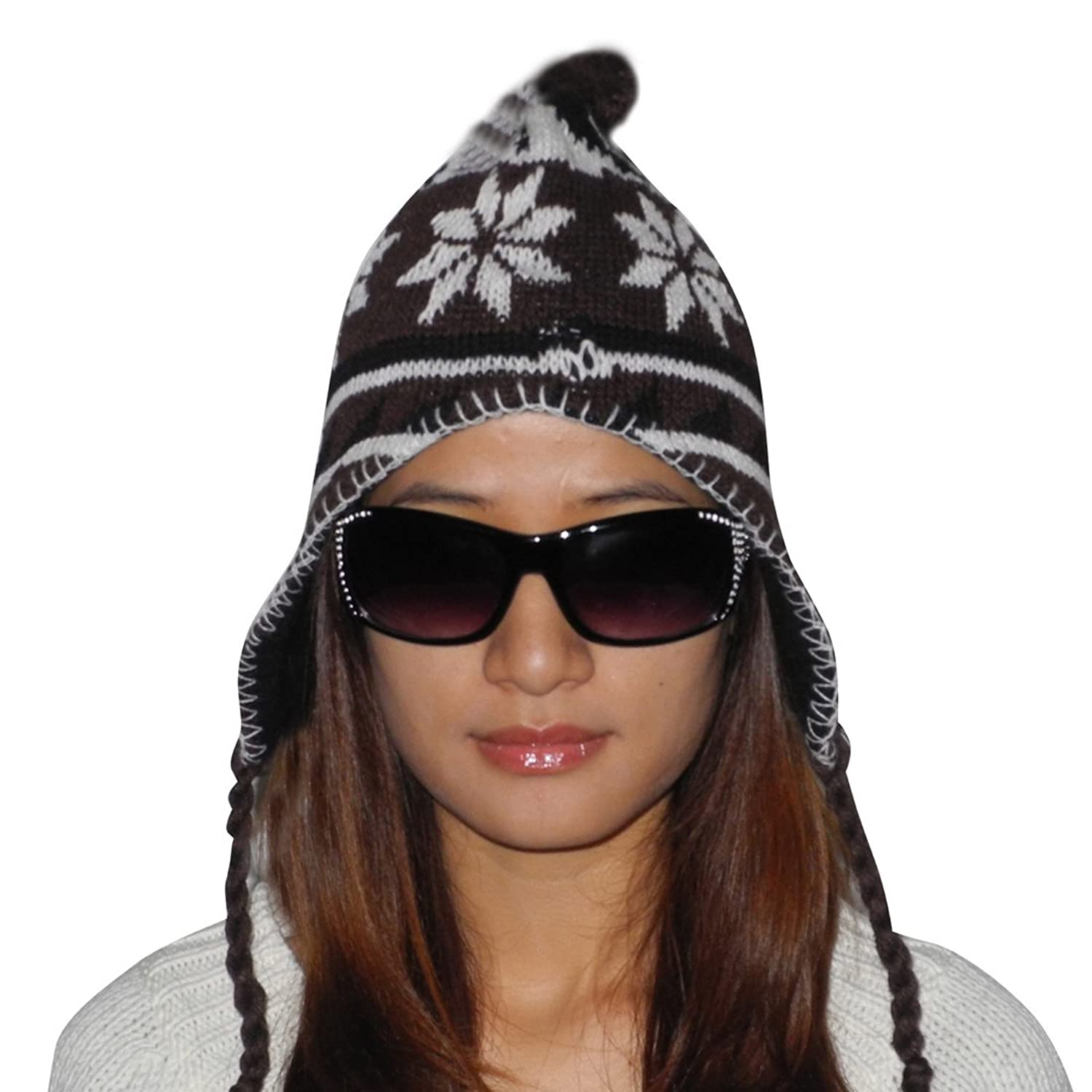 Ladies warm ski & skate fun tassel pom knit Hut / winter Hut