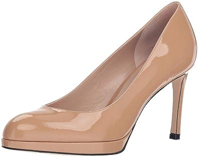 6ef95ca43c74a3 Amazon.com  Stuart Weitzman Women s Beatrix  Shoes