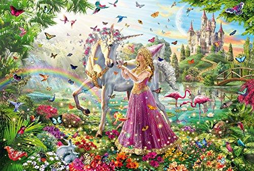 Il bosco è animato anche dai personaggi dei cartoni animati il