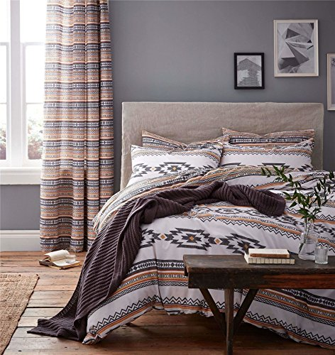 GEOMETRIC STRIPES GREY WHITE REVERSIBLE COTTON BLEND USA QUEEN SIZE (COMFORTER COVER 230 X 220 - UK KING SIZE) (PLAIN CHOCOLATE BROWN FITTED SHEET - 152 X 200CM + 25 - UK KING SIZE) PLAIN CHOCOLATE BROWN HOUSEWIFE PILLOWCASES 6 PIECE BEDDING SET