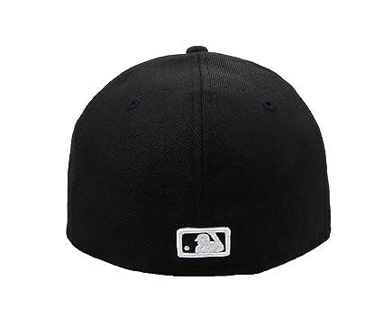 size 40 c495b 6f683 Amazon.com  New Era 59Fifty Hat MLB Kansas City Royals Black White Fitted  Headwear Cap  Clothing