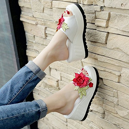 Slope Heel Casual Summer Thick Soft and White Flower High Heeled Bottom Round Head Slippers Peony Slipper High Bottom Super XKNSLX Women's Embroidery Shoes xap0Ia
