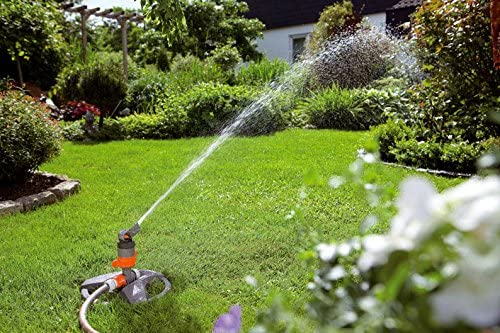 Asperseur arroseur canon rotatif sur traineau arrosage jardin gazon potager eau