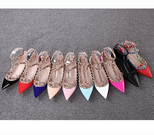 Gli Appartamenti Delle Donne Chris-t Rivettano Le Scarpe Con Fibbia Alla Caviglia Con Tacchetti Con Borchie Color Giallo Perla