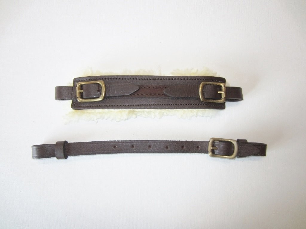Sheepskin padded noseband, plus chinstrap in set Braun mit goldenem Beschlag PS Pferdeartikel