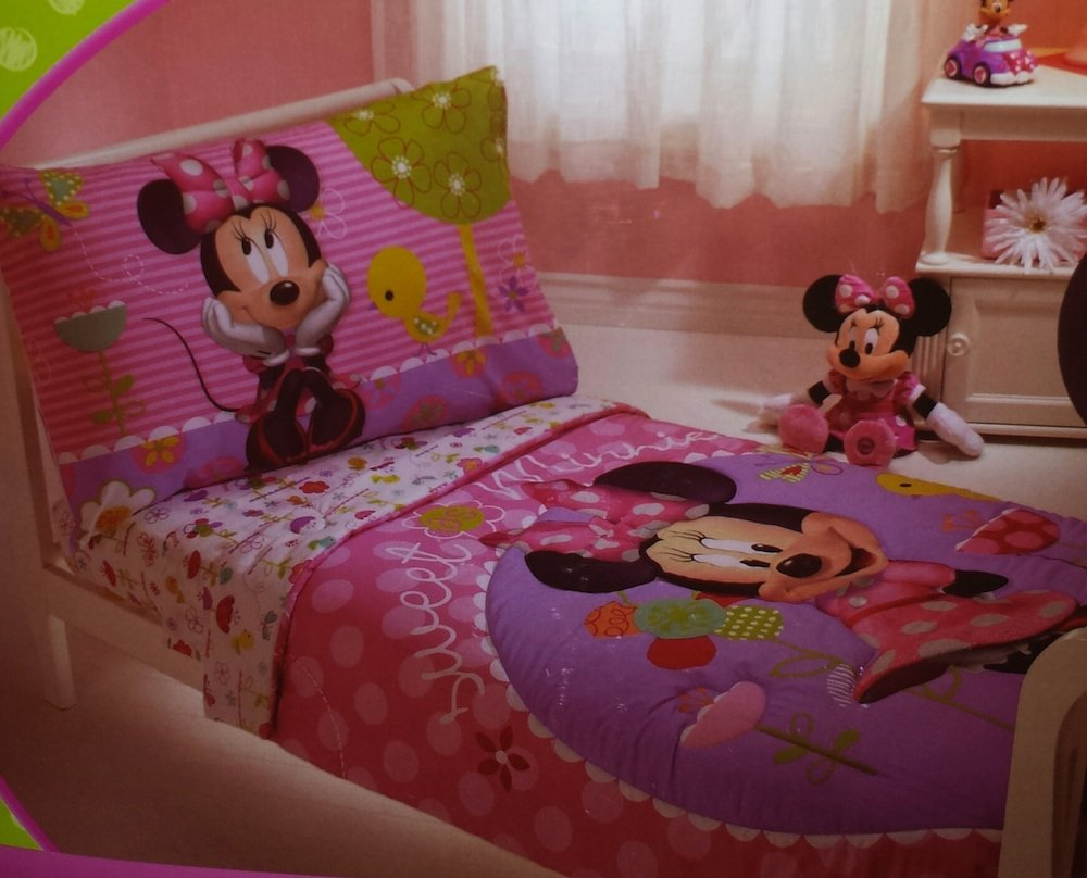 amazoncom disney minnie mouse 4piece toddler bedding bed set home u0026 kitchen