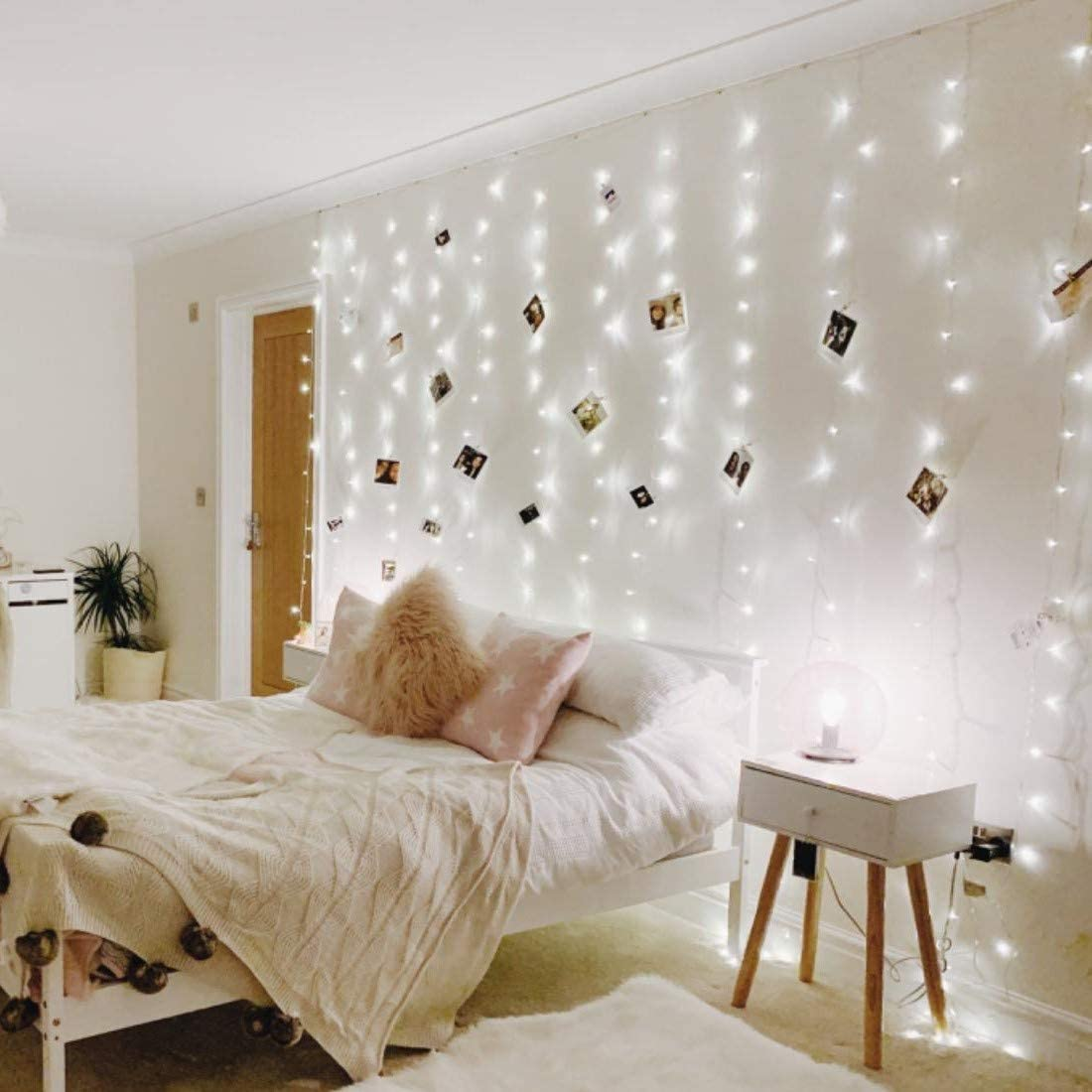 Amazon Com Le Led Curtain Lights 9 8x9 8ft 306 Led 8 Modes Plug In Twinkle Lights Cool White Indoor Outdoor Decorative Wall Window String Lights For Bedroom Party Wedding Backdrop Patio Decor And More