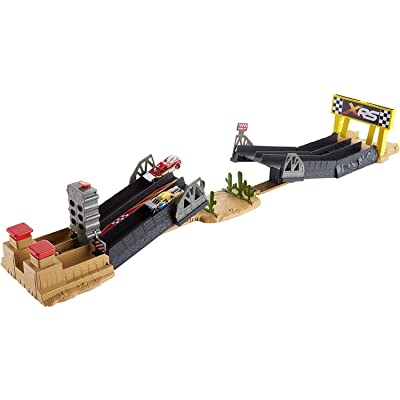 Disney Pixar Cars XRS Drag Racing Playset: Toys & Games