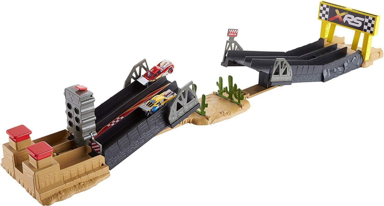 Disney Cars XRS - Pista de coches Gas a fondo, juguetes niños +4 años (Mattel GFM09)