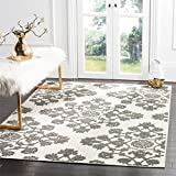 Safavieh Cottage Collection COT910C Cream and Grey Area Rug (5'3″ x 7'7″) For Sale