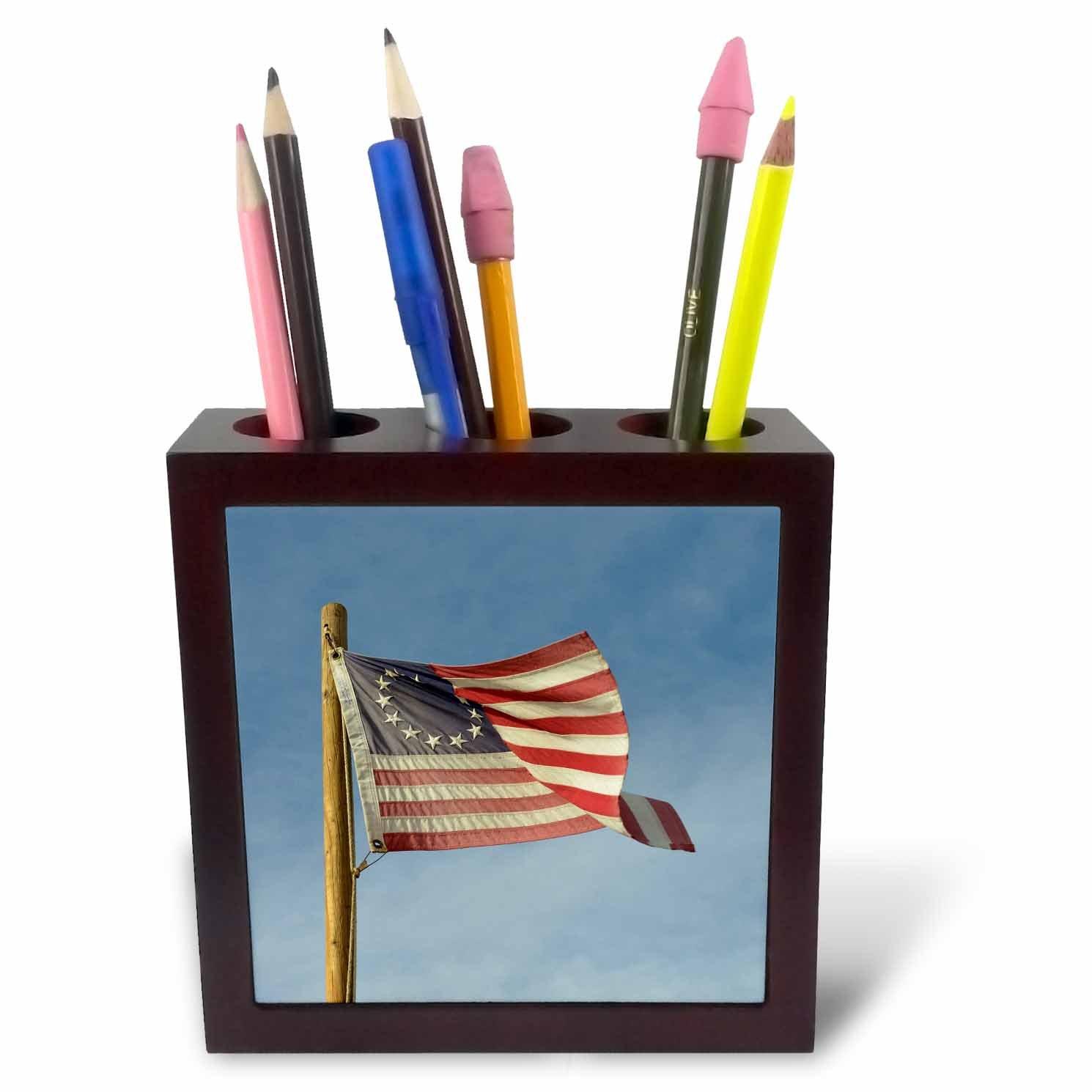 3dRose Danita Delimont - Flags - Arizona. Apache Junction, Betsy Ross US flag, Apacheland Movie Ranch - 5 inch tile pen holder (ph_278469_1)