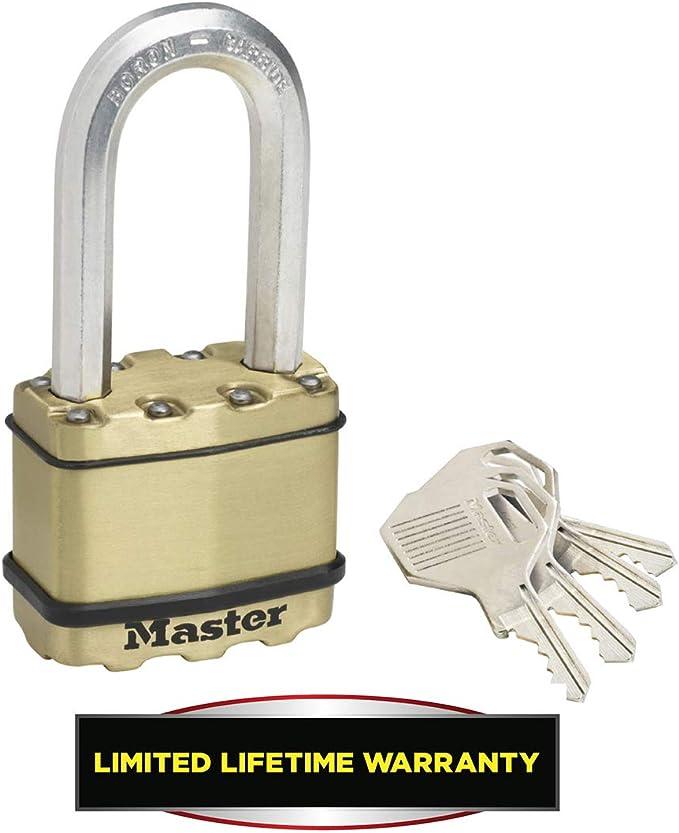 Acero Laminado y Acabado en Lat/ón Llaves Arco L S/ótanos Ideal para Portales MASTER LOCK Candado Alta Seguridad Exterior Garages M5BEURDLH