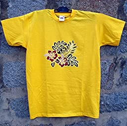 Hand painted yellow T-shirt for a Hawaiian party with the typical Hawaiian flower Red Hibiscus. Designer hand painting with ecological durable Marabu paint XL 61.0 х 77.0 sm.