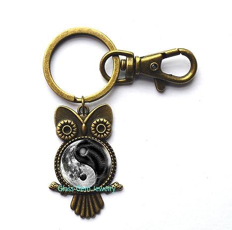 Amazon.com: Llavero con diseño de búho de la luna Yin Yang ...