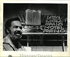 Historic Images - 1978 Press Photo Structural Engineer Dennis Dries Built Stage at MGM Grand