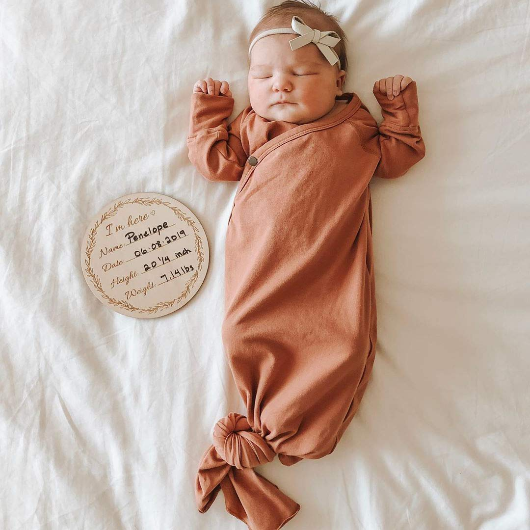 Amazon.com: Tarjeta de madera para bebé, diseño de hito ...