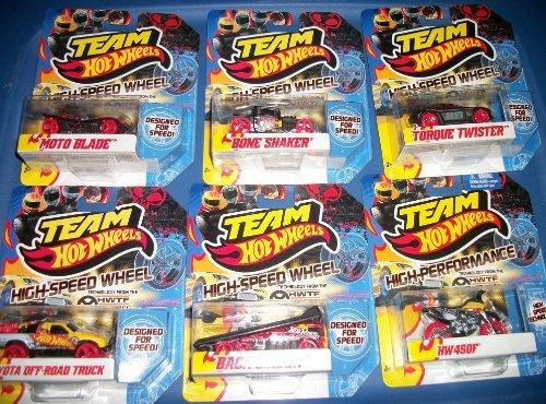 Team Hot Wheels /Moto Blade/Bone Shaker/ Torque Twister/Toyota Off Road Truck/BLack Slider HW 450 Fd ()