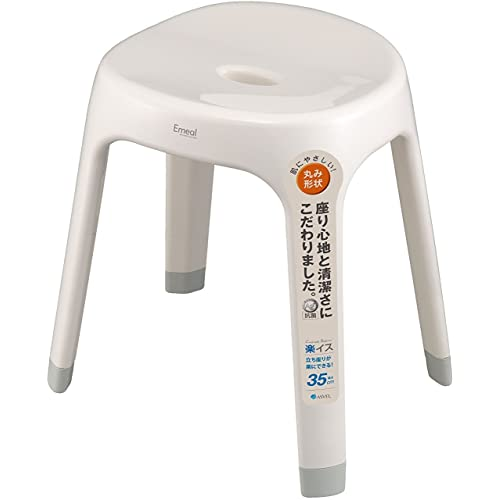 高さ35cmで座る・立つの動作がしやすく、ひざが弱い方にもおすすめ。4本脚のため通気性がよく、浴槽のへりに掛けて乾かすことも。足元までしっかり乾燥可能なのでカビの発生を抑制できます。30㎝、25㎝タイプも。ブルーやピンク、ブラウンなどやわらかく優しい4色から選べます。
