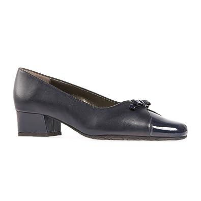 van dal navy shoes